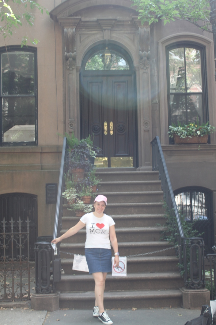 Outside Carrie's apartment